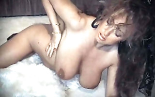A WOMAN all round LOVE - vintage Btish big breast tease