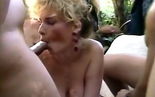 Lady M's Anal band Bang