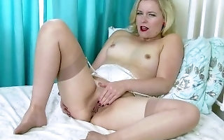 Blonde Anna Belle pussy play in output bra garnishment wholly fashioned nylons